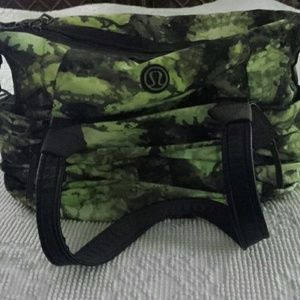 lululemon athletica Bags - Lululemon Triumphant Green Tree frog camo gym bag